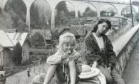 Fotografii de colectie cu Delia pe vremea cand era foarte slaba! Cine si-o mai aminteste asa? FOTO