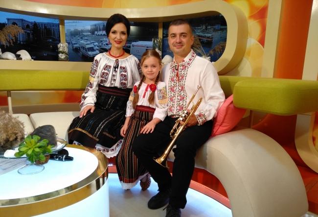 Nicoleta si Dumitru Hanganu au pregatit un cadou special fiicei lor, Dragostina, de ziua ei. Vezi cat de frumos a fost surprinsa micuta - VIDEO