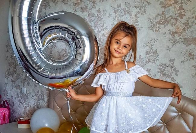 La doar 6 ani, Kamelia Melnic si-a sarbatorit ziua de nastere la karaoke! Micuta a avut parte de o ditamai petrecere - VIDEO