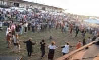 Centenar Fest - cel mai mare festival dedicat traditiilor romanesti! Evenimentul a unit artisti de pe ambele maluri ale Prutului - VIDEO