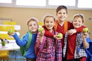 Reguli de alimentatie sanatoasa pentru elevi! Iata cum arata meniul copiilor intr-o scoala din capitala - VIDEO