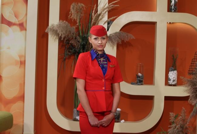"""Valentina Popa a povestit despre experienta ei in lumea aviatiei: """"La fiecare zbor este cate un pasager caruia ii este frica, tremura, nu stie ce trebuie sa faca."""" - VIDEO"""