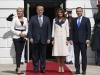 Melania Trump, tinta ironiilor dure. Prima Doamna a purtat un palton din lana, la 30 de grade - FOTO