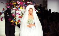 Milan Fashion Week. Gigi Hadid a evoluat intr-o rochie de mireasa spectaculoasa. Iata cum arata - FOTO