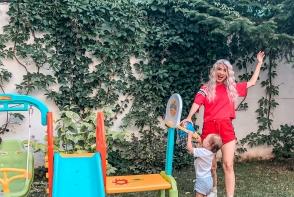 Andreea Balan, prima aparitie publica alaturi de fetita ei! Iata-le impreuna pe scena - VIDEO
