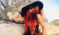 Fidela propriului stil! Doinita Gherman nu renunta la machiajul strident, culorile tipatoare si rochiile din tul - VIDEO