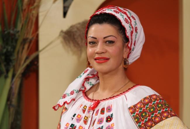 """Interpreta de muzica populara, Doina Arsene-Grigoras: """"Daca multe femei prefera bratarile si margelele, mie imi sunt dragi tatuajele"""" - VIDEO"""