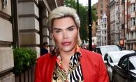 "Are 35 de ani si 62 de operatii estetice! ""Human Ken""- Rodrigo Alves a sarbatorit cu sampanie un nou lifting facial - FOTO"