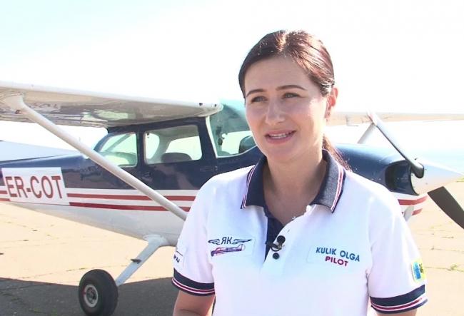 """Olga Culic este prima si singura femeie-pilot din tara: """"Faptul ca poti conduce aceasta aeronava reprezinta insasi fericirea cea mare!"""" - VIDEO"""