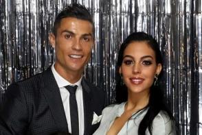 Pe stadion, ca in club! Cum s-a imbracat iubita lui Cristiano Ronaldo, la meciul starului de la Juventus - FOTO