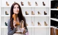 Te-ai plictisit de pantofii vechi si uzati? Nu-i arunca, dar vezi cat de usor ii poti reinventa - VIDEO