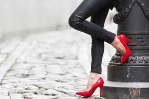 Cum trebuie sa alegi corect incaltamintea? Ortopedul Marcel Platon iti prezinta pantofii pe care nu e bine sa ii incalti foarte des - VIDEO