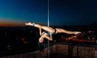 Dansul la bara: striptease sau sport olimpic? Vezi cine este si cum arata moldoveanca focoasa, care practica acest tip de dans deja de 5 ani - VIDEO