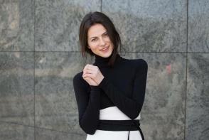 Imbraca-te cu stil! Designerul Lilia Ceaicovschi dezvaluie cum trebuie sa purtam corect dressurile cu un trenci - VIDEO