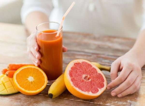 Terapie cu vitamina C! Ia-ti doza zilnica de acid ascorbic din urmatoarele sucuri citrice - VIDEO