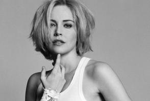 Iti vine sa crezi ca este Sharon Stone? Vezi cum arata actrita la varsta de 60 de ani - FOTO