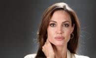 Cat de frumoasa este la 43 de ani! Angelina Jolie straluceste fara pic de make-up pe chip - FOTO