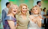 Cum e sa fii mama a doua blonde celebre? Au uitat ca sunt in direct, Tamara Ples si fiicele sale s-au distrat copios la O Seara Perfecta - VIDEO