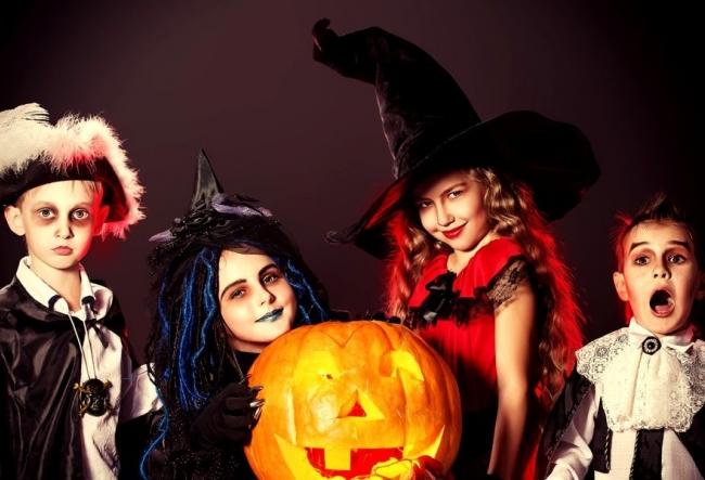 Infricosator, dar interesant! Iata cum s-au pregatit copiii de Halloween - VIDEO