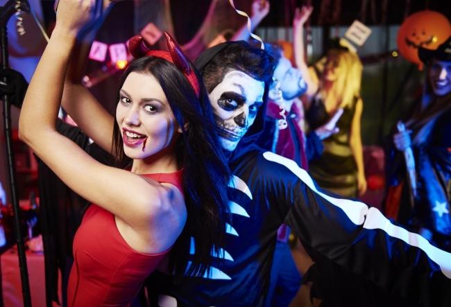 """Moldovenii celebreaza Halloweenul sau nu? Raspunsurile lor sunt curioase: """"Prin aceasta sarbatoare aduc slava lui Satana."""" - VIDEO"""