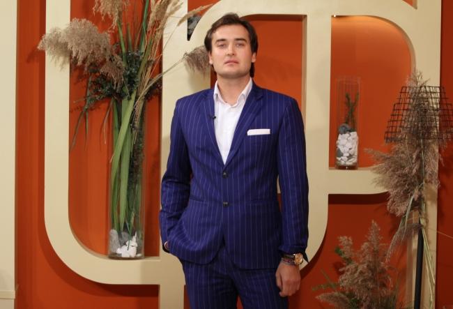 A ajuns milionar in Marea Britanie! Moldoveanul Adrian Dulgher si-a deschis prima afacere la 16 ani, iar acum este unul dintre cei mai cunoscuti bussinesmani din lume - VIDEO