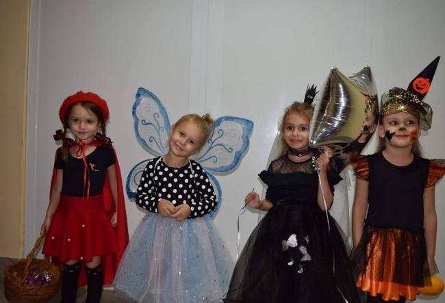 O zi de antrenament, transformata intr-o petrecere de Halloween! Cum s-au distrat viitorii gimnasti? VIDEO