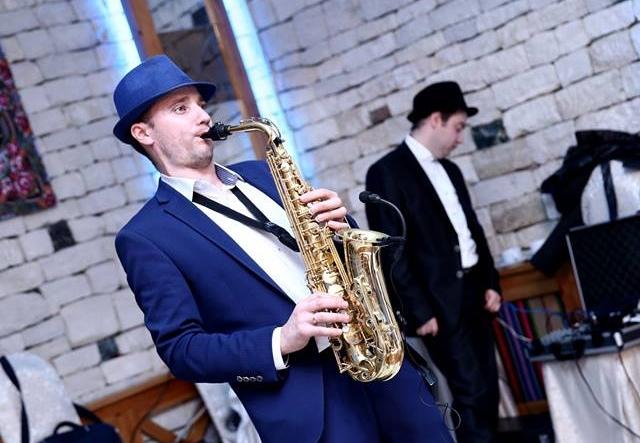 "De aproape 20 de ani saxofonul e viata lui! Sergiu Drugus: ""Inainte ma luau fiorii cand ascultam asta."" - VIDEO"
