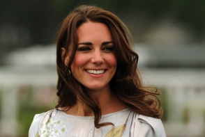 Secretul tenului curat al lui Kate Middleton! Ducesa foloseste un ulei ce-l  poti gasi la orice magazin - FOTO