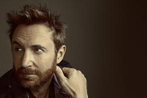 Te-ai intrebat vreodata ce femeie are langa el David Guetta? Este alaturi de renumitul DJ de cand avea 21 de ani. Iata cum arata - FOTO