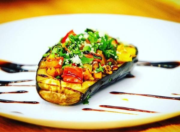 Vinete cu legume la cuptor - un start bun pentru post! Nicoleta Sava-Hanganu iti prezinta o reteta savuroasa si foarte simpla - VIDEO