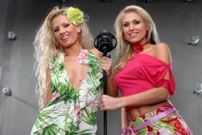 Iti mai aduci aminte de Cristina Rus, colega Andreei Banica din trupa Blondy? Cantareata are 37 de ani si arata bestial - FOTO