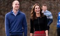 Ca niste copii! Printul William si Kate Middleton s-au lasat implicati intr-o lupta simpatica cu bulgari de zapada - FOTO