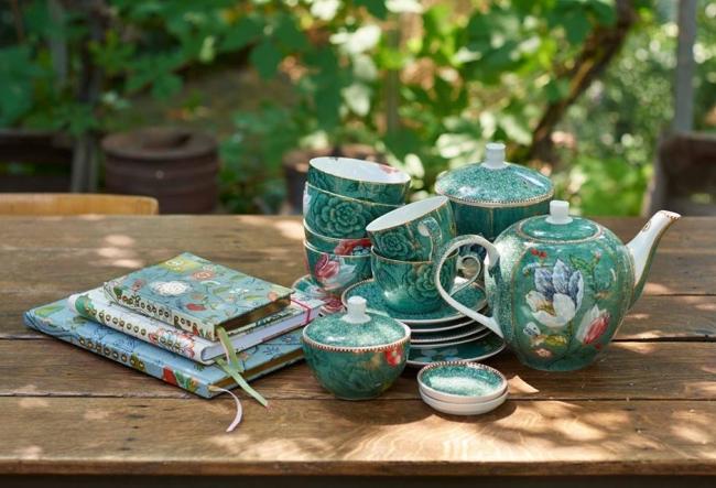 Ceaiul, intre eleganta, mister si fericire. Ceremonia ceaiului este o adevarata legenda. Iata ce trebuie sa consumi de Revelion - VIDEO