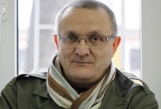 Vasile Botnaru descanta poezia cu vin! Vezi cum a fost la lansare noii carti a jurnalistului -  VIDEO