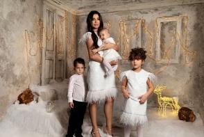 Elena Basescu, pictorial de sarbatoare inedit cu cei 3 copii. Iata cat de mare s-a facut mezina familiei, Sofia Anais - FOTO
