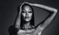 Supermodelul Naomi Campbell a pozat topless la 48 de ani. Arata impecabil - FOTO