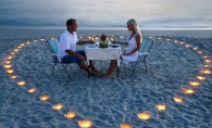 Unii prefera intimitatea, pe cand altii opteaza pentru gesturi grandioase. 4 cereri inedite in casatorie din randul celebritatilor - FOTO