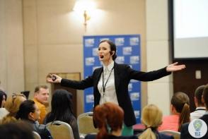 Zambete si speranta! Vera Nastasiu a oferit o lectie de dictie si omenie pentru copiii din Straseni - VIDEO