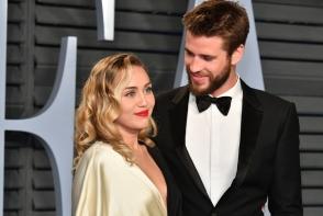 Miley Cyrus s-a casatorit in secret! Vezi ce rochie de mireasa fabuloasa a purtat - VIDEO