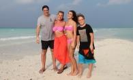 Andreea Esca, vacanta cu familia in Egipt. Alexia si Mario Fresh se distreaza cu parintii - FOTO