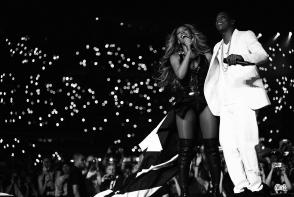 Beyonce a purtat cea mai impresionanta tinuta de pana acum! Pretul rochiei este estimat la 15.000 de dolari - FOTO